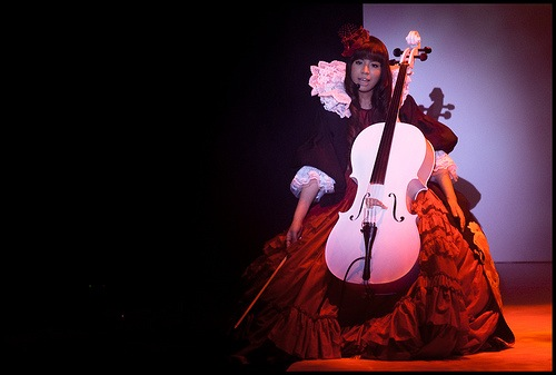 Kanon playing the cello (2) (From Claritism)